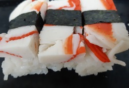 sushi blokje krab
