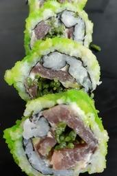 sushi rolletje met verse tonijn